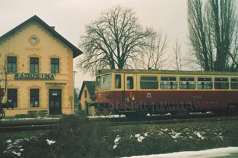 žst. Radošina (2003)