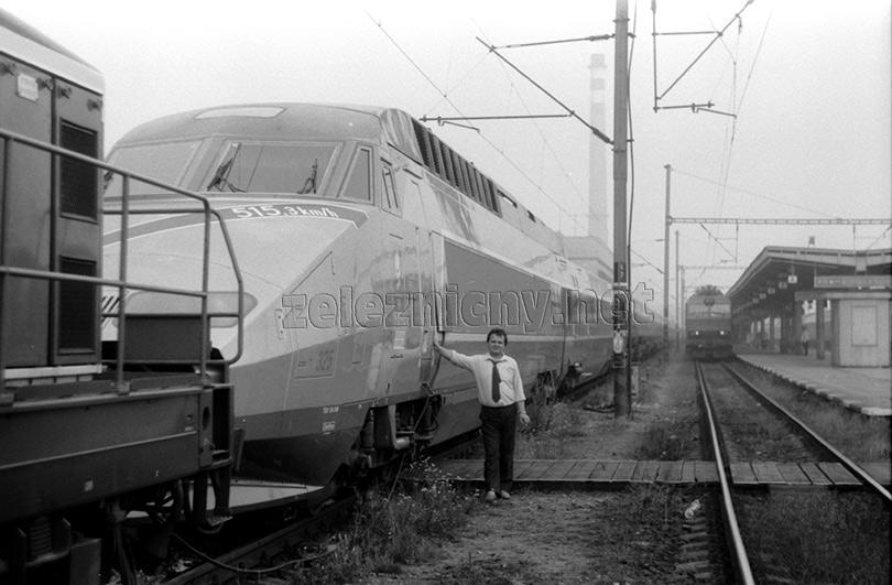 Dušan Solár dnes odvezie z Prahy vlak s rušňom 350.014.