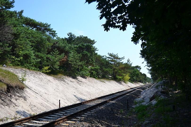 samotný pohľad na piesočné duny v kilometri 48-49 medzi výhybňou Jastarnia a zastávkou Jurata,17.7.2014