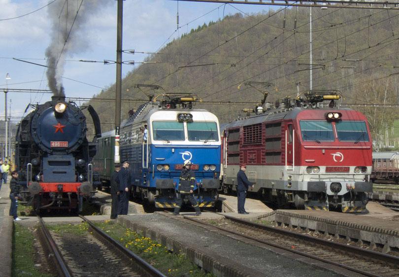 21.4. sme prišli do Košíc ale to som nefotil.Toto je fotka z 22.4 ked´sme s Albatrosom išli do Margecian a poprvý,krát išiel Hugo na požiarnom vlaku v historii goríl.