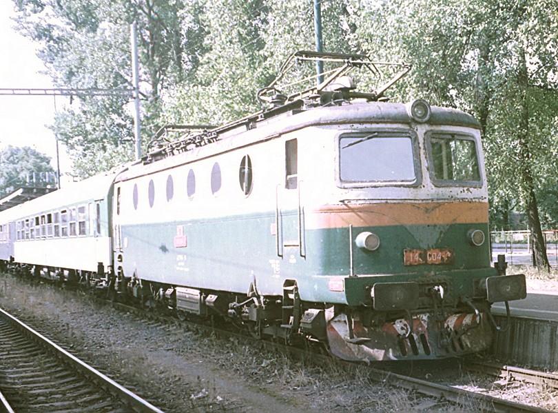 bohumínsky stroj E499.004 ešte v prevádzkovom laku zachytený v žst. Český Těšín