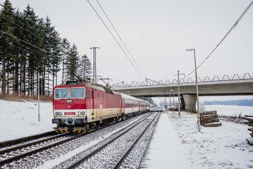 Za Vectronom pokračoval osobný vlak 3419 zo Žiliny do Popradu.