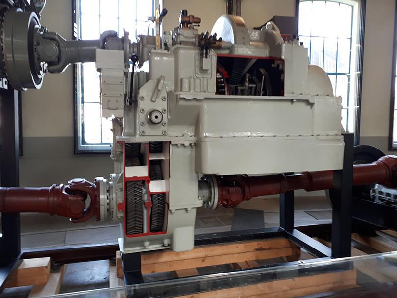Hydrodynamická prevodovka Voith L 821 rušňa BR 216