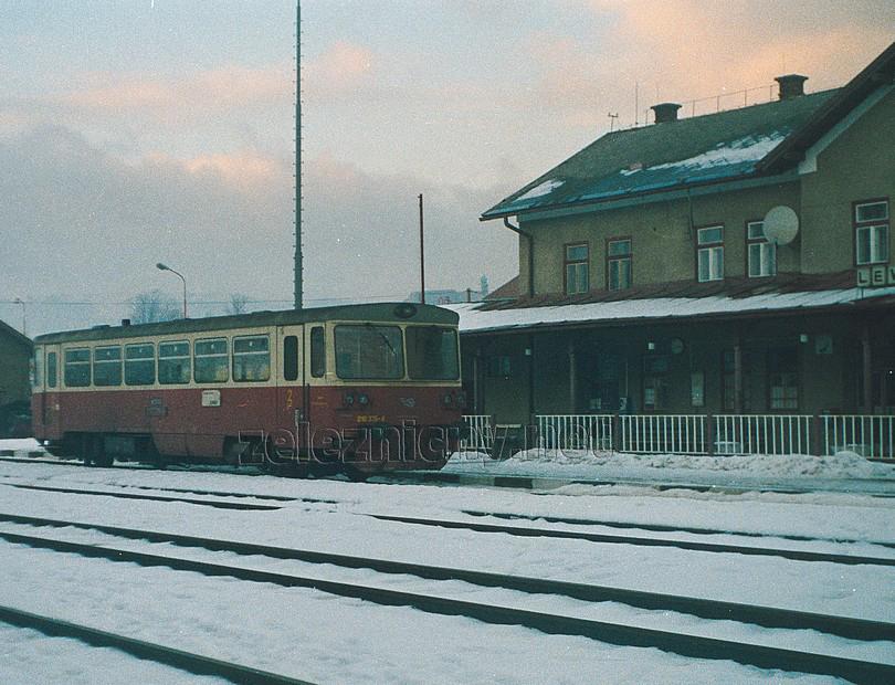 záber z prevádzky v žst. Levoča (2003) - dnes tu jazdia už len pútnické vlaky dva dni v roku