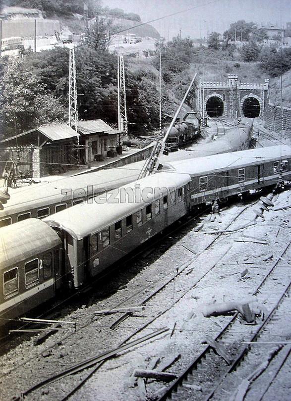 po nehode železničné podvaly lietali ako zápalky....
