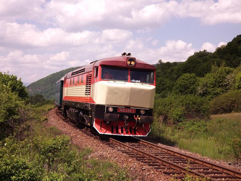 Požiarny vlak ťahaný 749 248.(Foto:Palo003)