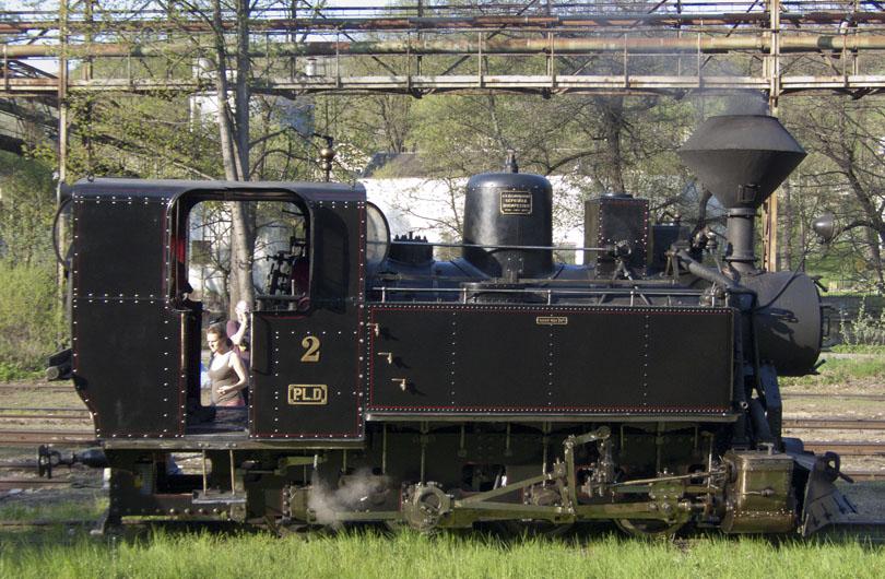 """A je tu deň pre,ktorý sme sem prišli.Kalendár ukazuje 30.4.2012 a otvára sa trať na Dobroč. """"Cifra"""" U45 903 sa pomaly zobúdza."""