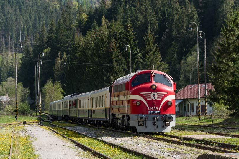 Pre fotku sme zastavili v Červenej Skale na stanici.(foto:DjMiscin)