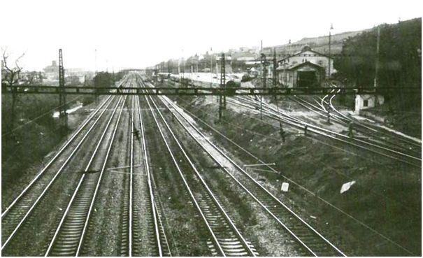 Pohľad z mosta, odkiaľ sme mávali vlakom.