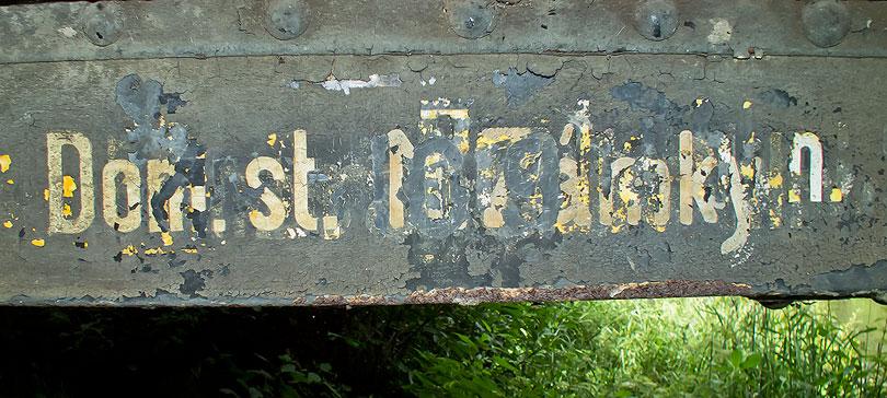 A vidieť je aj označenie domovskej stanice.
