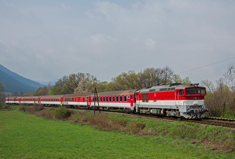 Od stanice Dubová už pokračovala klasická päťvozňová súprava na čele s ďalšou 005-kou, stálicou – Peťkou Horehronkou.