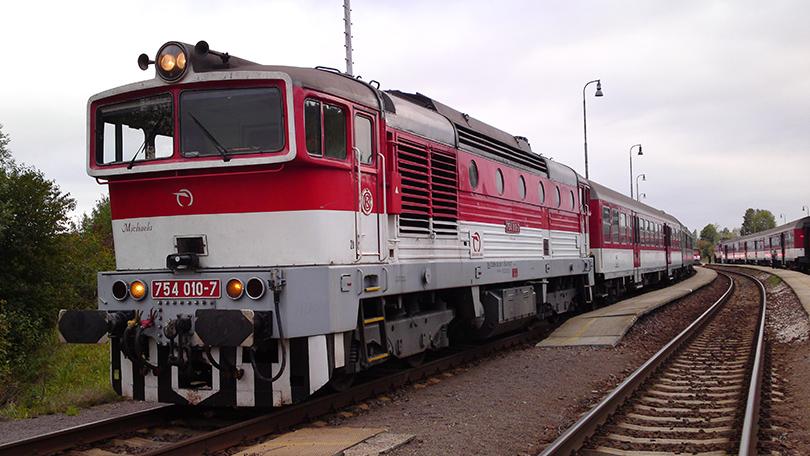 Fotka vyhotovená ešte v GVD 2012/2013 tesne po zastavení OS 7521 v stanici Horná Štubňa. Na čele 754.011 ktorá bola vtedy motoricky aj čistotou jedna z najlepších.