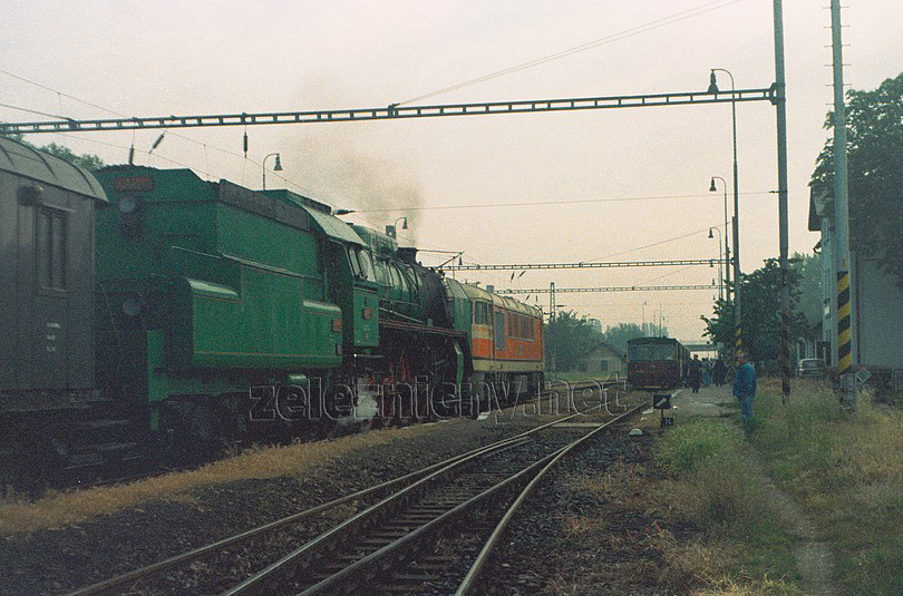 mimoriadny vlak na trase Kúty - Sudoměřice nad Moravou ešte v r.2001