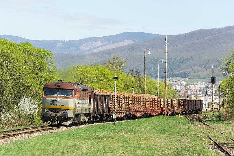 Krátka pauza v Rožňave a Mn 82230 pokračuje na pravé poludnie do Plešivca. Brzotín. 21.04.2015
