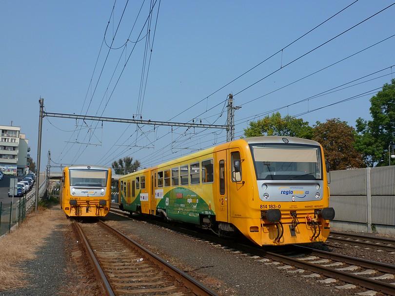 len vďaka výluke druhého zhlavia v stanici Kolín sa takto neobvykle na pražskom zhlaví dokázali stretnúť dve posunujúce 814: 168+183.