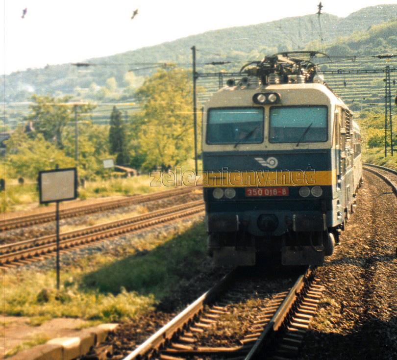 žst. Bratislava Vinohrady – 350.018 v čele rýchlika na východ