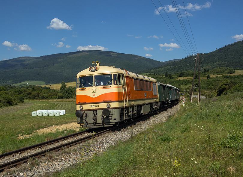 Krajna je tu okolo naozaj nádherná a tento vlak sem dobre sadol.(Foto:Duko)