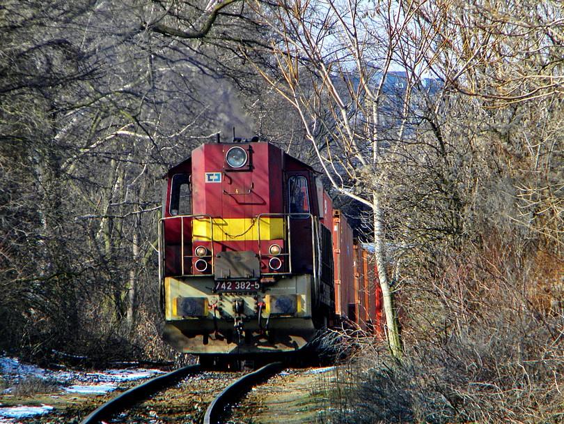 Vyťahujúc kontajnerový vlak, zážitok. 15 -3- 2o13 1o.53