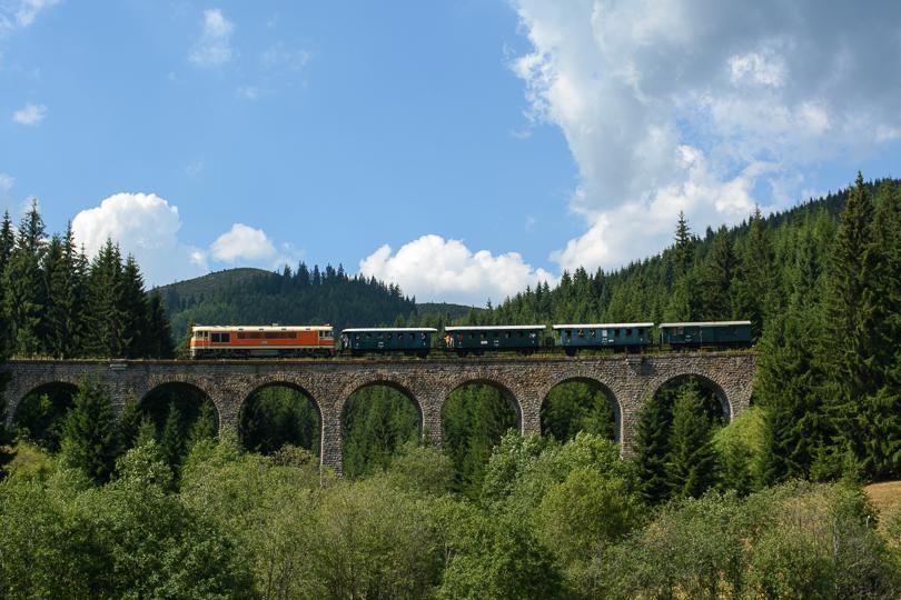 AladaR nás vysadil na Telgárte pri tuneli a sám sa vrátil k Chramošskému viaduktu, kde vyhotovil takúto fotografiu.(Foto:AladaR)