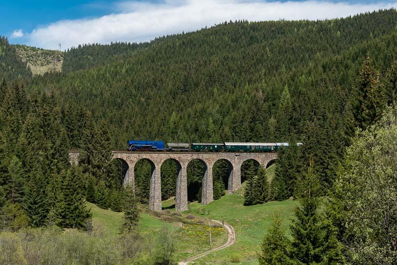 Pohľad na celý viadukt.(foto:DjMiscin)