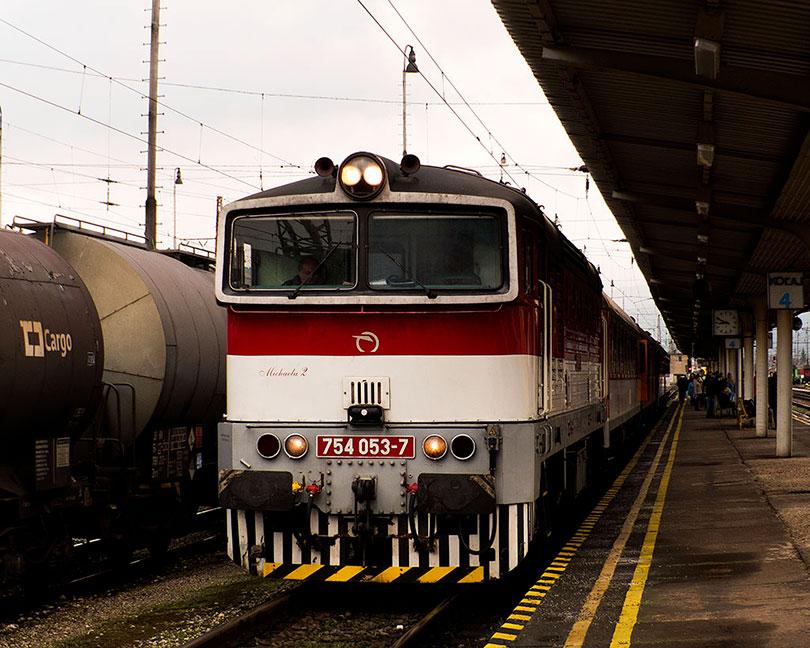 Úspešne sme došli do Vrútok, kde vlak kvôli výluke končí svoju jazdu.(Foto:DjMiscin)