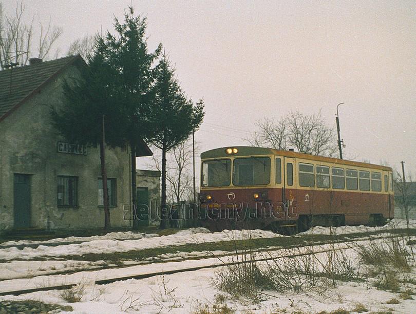 Os v žst. Čalovec na trati z Kolárova do Komárna (2003)