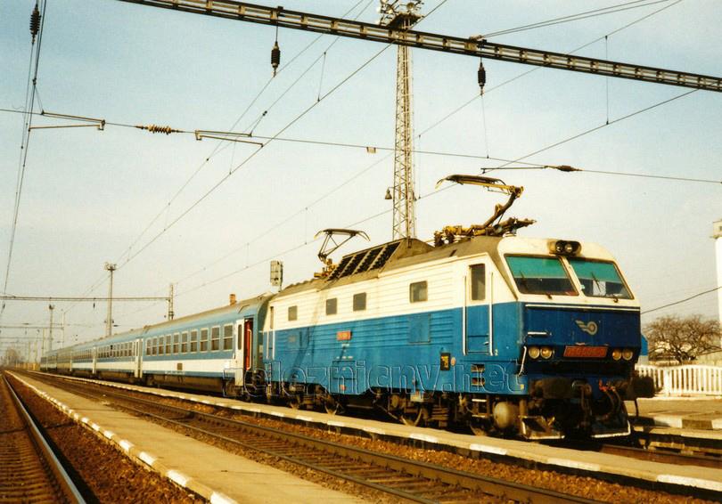 350.006-3 Šakvice 21.2.1998 IC 77