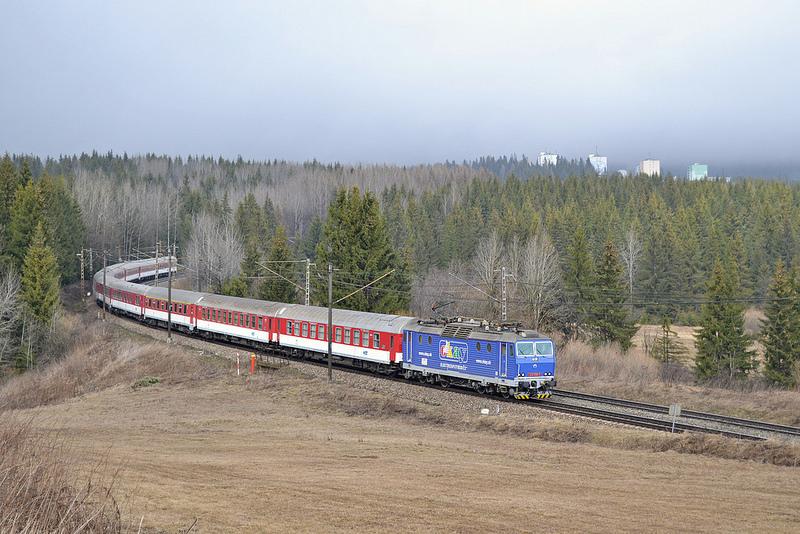 Už prichádza elektrospotrebič so svojim vlakom.(Foto:PeterB)