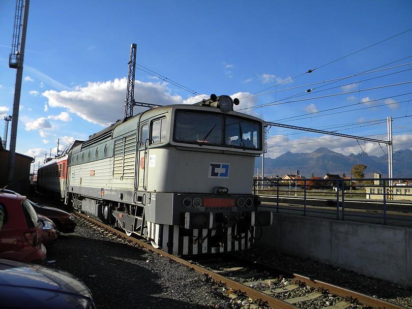 Výstup v Poprade a opäť Okuliarnik a teraz aj s Tatrami.