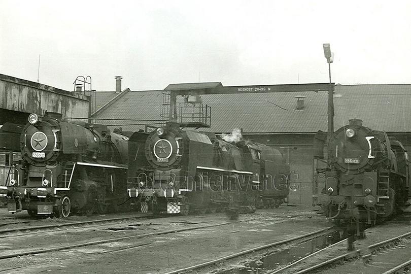 V lokomotivním depu Liberec byly ještě v provozu v roce 1980 parní lokomotivy řady 556.042, 0221 a 0457.