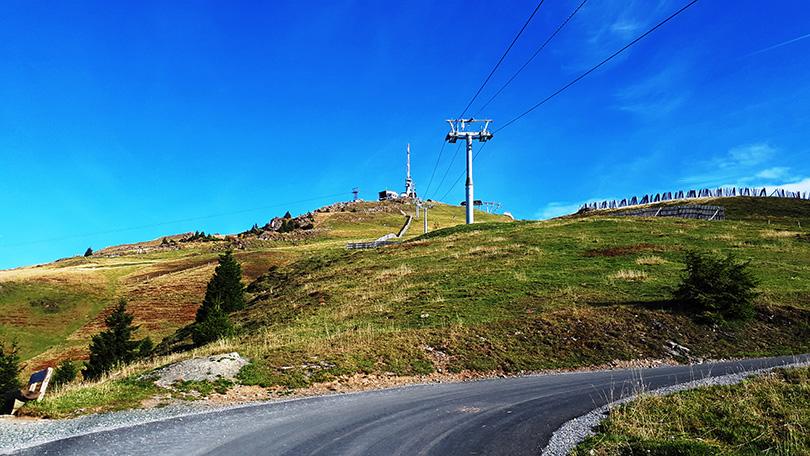 Cesta na vrchol Kitzbüheler Hornu do výšky 1996 metrov