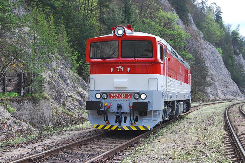 Druhé zastavenie v ŽST Harmanec jaskyňa z dôvodu križovania vlakov