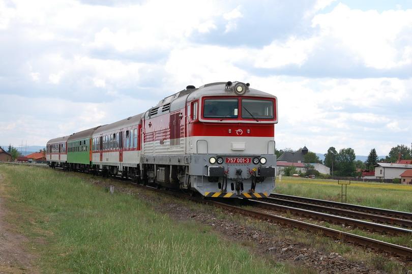 Os. 7554 a 757.001 v Jazernici