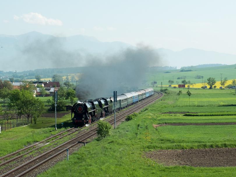 Už sa vlak rúti aj do Príboviec. (Foto:AladaR)