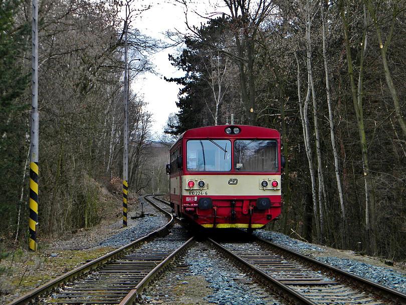 Výhybňa Praha Cibulky a motor na Zličín smerujúci
