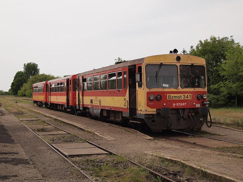 hajtott sémelyvonat szám 32235 pripravený na odchod o 14.53h do stanice Vác