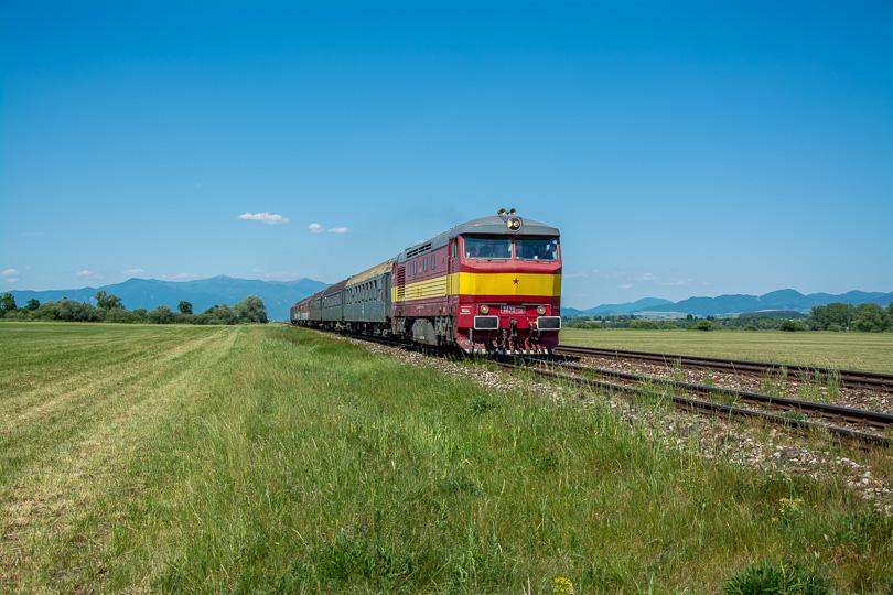 Poobede opäť vyšli na trať mimoriadne vlaky. Ako prvý vlak odišiel Prossek Expres, ktorý sa vracia s návštevníkmi do Prievidze.
