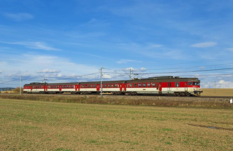 460.031+032 ako Os7812 prichádza do Popradu. 14.10.2013 (Ivan)