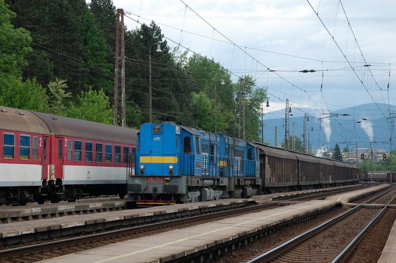 742.711 a 742.083 s vozňami. Habiins v st. Ružomberok